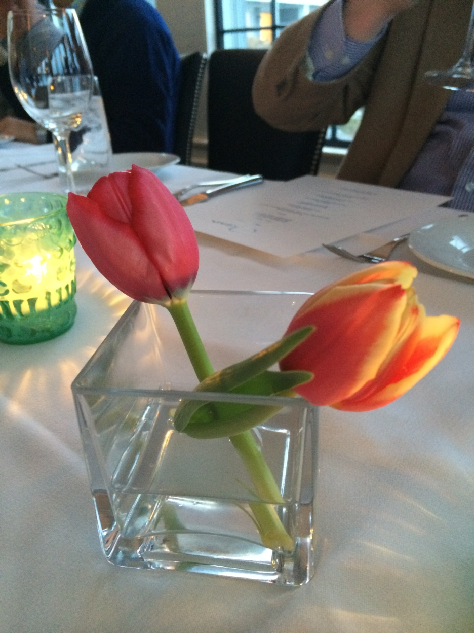 The table setting - lovely tulips